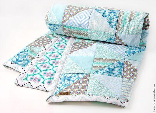 Пледы и одеяла ручной работы. Ярмарка Мастеров - ручная работа. Купить Нежно-голубое детское лоскутное одеяло. Handmade. Голубой