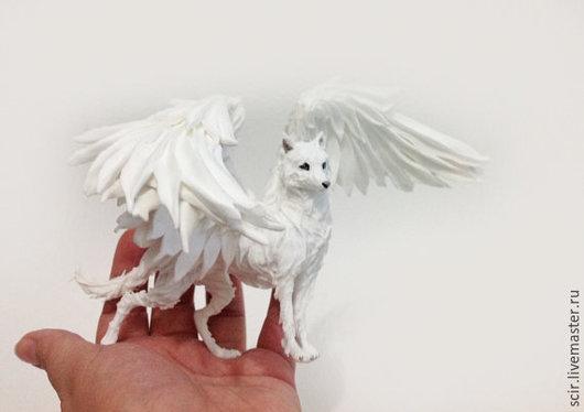 """Сказочные персонажи ручной работы. Ярмарка Мастеров - ручная работа. Купить фигурка """"белый крылатый волк"""" (статуэтка белого крылатого волка). Handmade."""