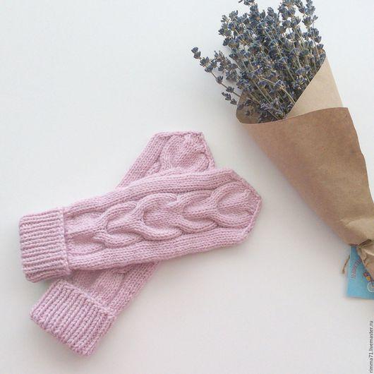 Варежки, митенки, перчатки ручной работы. Ярмарка Мастеров - ручная работа. Купить Варежки вязаные с косами. Handmade. Розовый