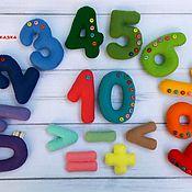 Мягкие игрушки ручной работы. Ярмарка Мастеров - ручная работа Цифры из фетра, со знаками (на магнитах). Handmade.
