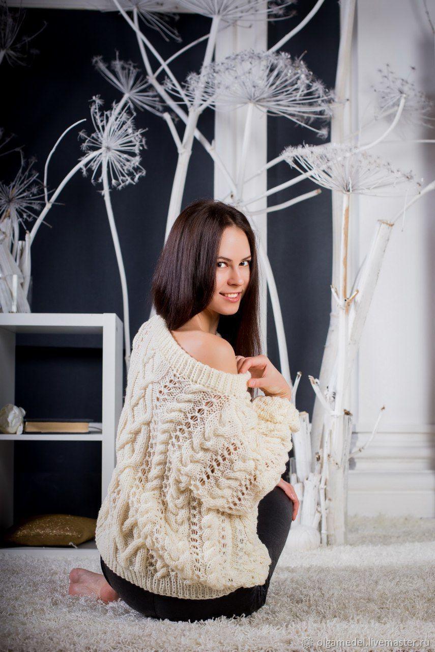 Jerseys: Women's knitted oversize sweater in milk color, Sweaters, Yoshkar-Ola,  Фото №1