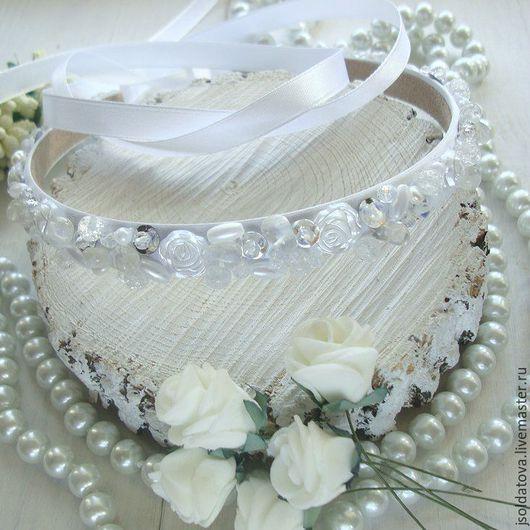 """Свадебные украшения ручной работы. Ярмарка Мастеров - ручная работа. Купить Расшитая свадебная диадема """"White Swan"""". Handmade. Белый"""