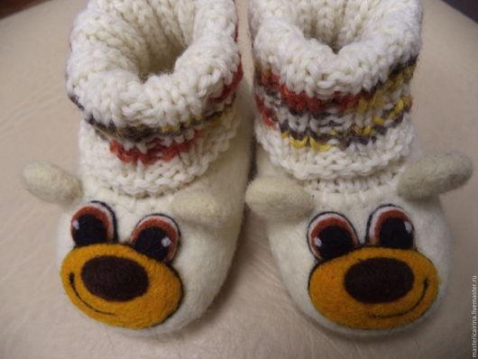 Детская обувь ручной работы. Ярмарка Мастеров - ручная работа. Купить Валяные тапочки-пинетки Мишки. Handmade. Разноцветный