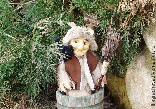 Баба яга в ступе, кукла из шерсти баба яга, кукла из войлока баба яга, кукла ручной работы баба яга, кукла интерьерная баба яга, русский сувенир баба яга, русская сказка, сувенирная кукла баба яга