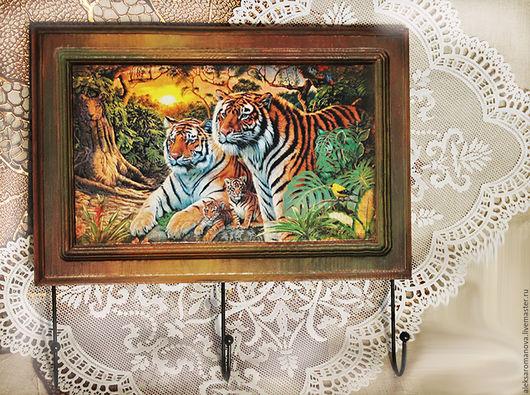 Прихожая ручной работы. Ярмарка Мастеров - ручная работа. Купить Ключница Семья Тигров. Handmade. Бордовый, заготовки из дерева, свобода