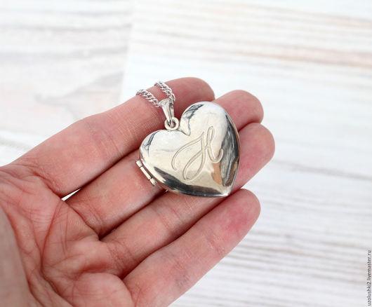 """Кулоны, подвески ручной работы. Ярмарка Мастеров - ручная работа. Купить Медальон-сердце """"Инициалы"""". Handmade. Серебряный, открывающийся медальон"""