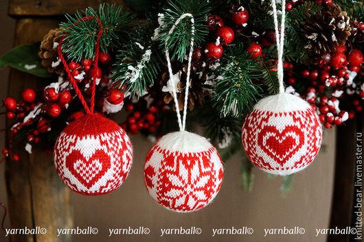 """Подарки для влюбленных ручной работы. Ярмарка Мастеров - ручная работа. Купить Набор из 3-х вязаный шаров """"Жаккардовое сердце"""". Handmade."""