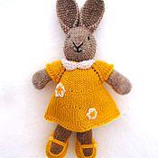 Куклы и игрушки ручной работы. Ярмарка Мастеров - ручная работа Зайка в желтом платье (вязанная игрушка). Handmade.