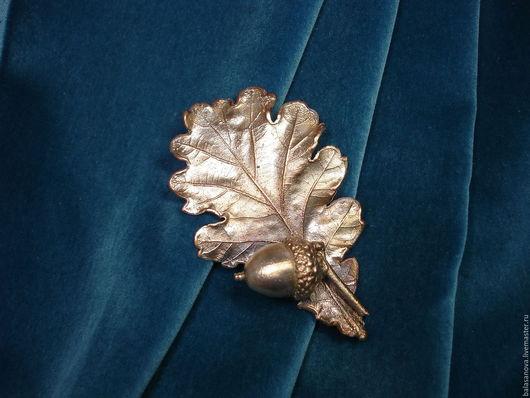Броши ручной работы. Ярмарка Мастеров - ручная работа. Купить Дубовый лист с желудями, брошь медь посеребренная, винтажный стиль. Handmade.