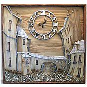 """Часы классические ручной работы. Ярмарка Мастеров - ручная работа Часы настенные деревянные """"Дворик с воротами"""". Handmade."""