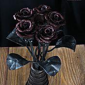 Цветы ручной работы. Ярмарка Мастеров - ручная работа 5 Кованых роз и ваза. Handmade.