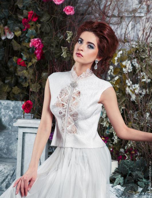 Платья ручной работы. Ярмарка Мастеров - ручная работа. Купить Свадебное платье  КРУЖЕВО. Handmade. Белый, стильное платье, кружево