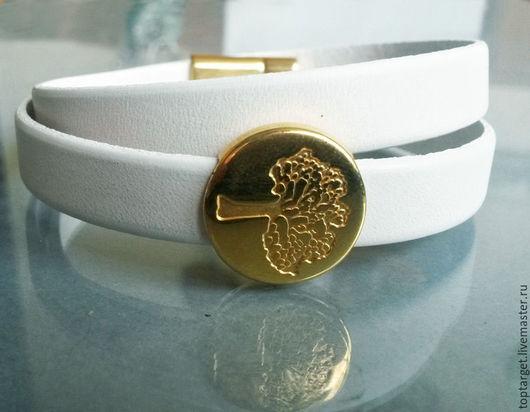 """Браслеты ручной работы. Ярмарка Мастеров - ручная работа. Купить Кожаный браслет-намотка """"Золотая крона"""". Handmade. Белый"""