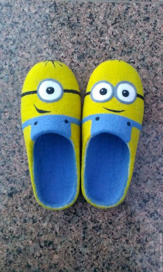 """Обувь ручной работы. Ярмарка Мастеров - ручная работа. Купить Валяные тапочки детские """"Миньоны"""". Handmade. Валяные тапочки, желтый"""