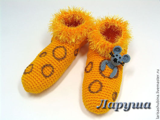 """Детская обувь ручной работы. Ярмарка Мастеров - ручная работа. Купить Тапочки вязаные """"Сыррррные!"""". Handmade. Желтый, мышонок"""