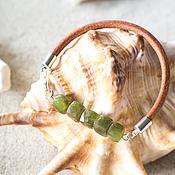 Украшения ручной работы. Ярмарка Мастеров - ручная работа Браслет с зеленым гранатом, кожаный браслет. Handmade.