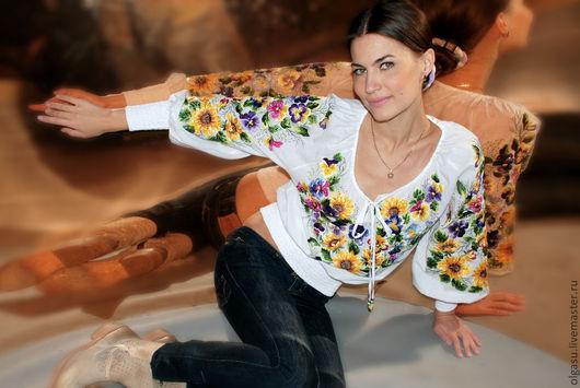 """Блузки ручной работы. Ярмарка Мастеров - ручная работа. Купить Летняя вышитая белая блуза вышиванка """"Цветы незабудки"""" ручная вышивка. Handmade."""