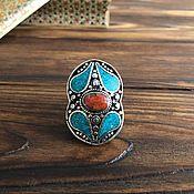 Экстравагантное кольцо в непальском стиле.