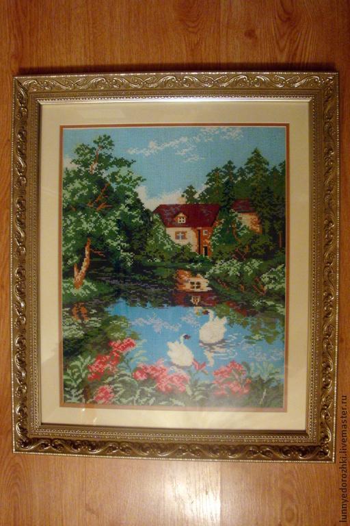 """Пейзаж ручной работы. Ярмарка Мастеров - ручная работа. Купить Картина """"Дом у озера"""" - вышивка крестом, багет. Handmade. Разноцветный"""