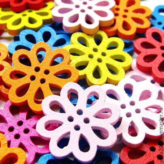 Пуговицы деревянные Цветочки 20мм