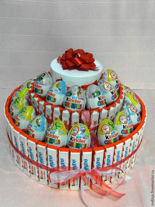 Персональные подарки ручной работы. Ярмарка Мастеров - ручная работа. Купить Торт из киндеров - лучший подарок. Handmade. Киндер торт