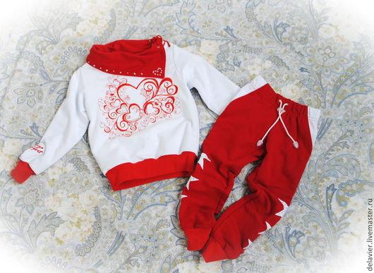 """Одежда для девочек, ручной работы. Ярмарка Мастеров - ручная работа. Купить Костюм спортивный для девочки """"Сердечный"""". Handmade. Разноцветный, для девочек"""