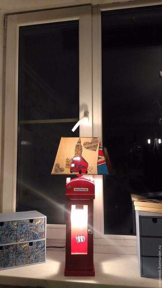"""Персональные подарки ручной работы. Ярмарка Мастеров - ручная работа. Купить лампа с абажуром """"Хулиганский Лондон"""". Handmade. Ярко-красный"""