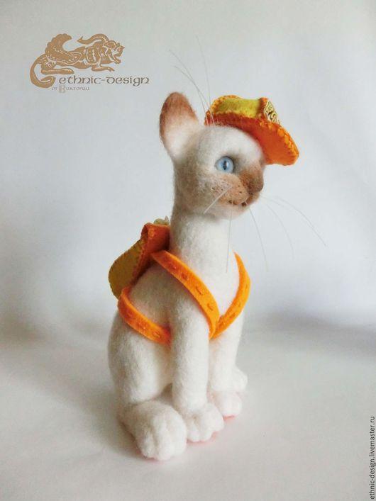 Игрушки животные, ручной работы. Ярмарка Мастеров - ручная работа. Купить Котёнок - путешественник. Handmade. Комбинированный, сиамский кот, шерсть