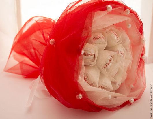 Букеты ручной работы. Ярмарка Мастеров - ручная работа. Купить Букет в органзе Подарок девушке. Handmade. Ярко-красный, букет