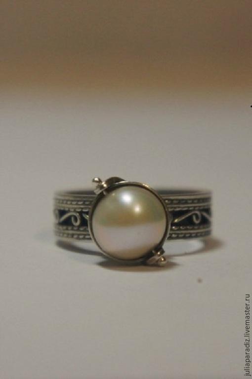 """Кольца ручной работы. Ярмарка Мастеров - ручная работа. Купить Кольцо """"Любовь"""" - серебро, жемчуг.. Handmade. Белый, серебряное кольцо"""