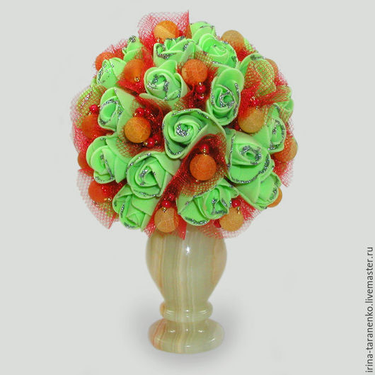 Цветы из агата `Пламя любви` в вазочке из оникса
