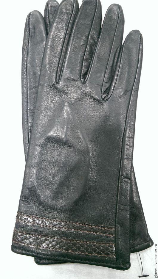 Варежки, митенки, перчатки ручной работы. Ярмарка Мастеров - ручная работа. Купить Перчатки женские кожаные на шелковой подкладке(с кожей змеи). Handmade.