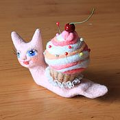 Куклы и игрушки ручной работы. Ярмарка Мастеров - ручная работа Улитка с кексиком. Игольница.. Handmade.