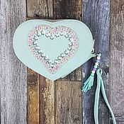 Кошельки ручной работы. Ярмарка Мастеров - ручная работа Кошелек-сердце с вышивкой бисером. Handmade.