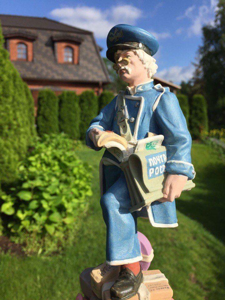 Статуэтка Почтальон из дерева, Статуэтки, Москва, Фото №1
