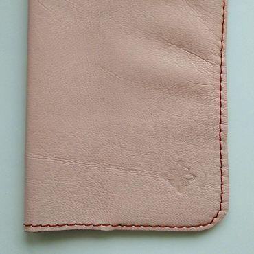 Сумки и аксессуары ручной работы. Ярмарка Мастеров - ручная работа Обложка для паспорта из кожи ручной работы. Handmade.