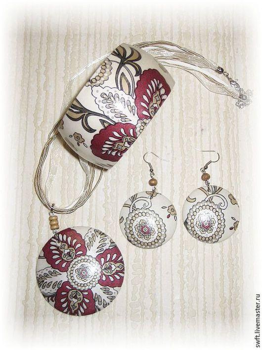 белый вишневый бежевый стильный модный  женский недорогой деревянный браслет кулон серьги подарок что подарить девушке женщине сестре жене подруге маме  на 8 марта день рождения дерево