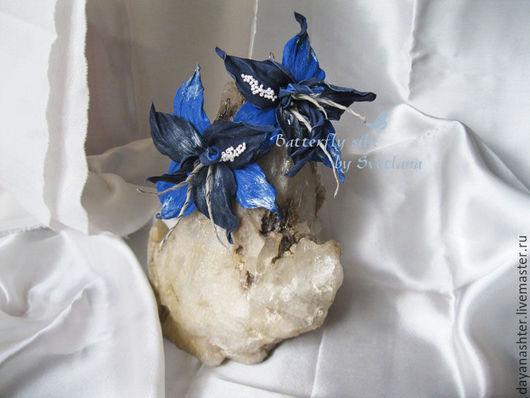 """Серьги ручной работы. Ярмарка Мастеров - ручная работа. Купить Серьги из кожи. """"Ночная лилия"""". Handmade. Синий, необычные украшения"""