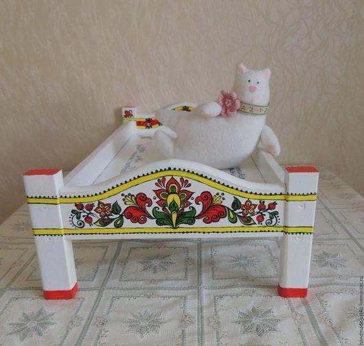 Кукольный дом ручной работы. Ярмарка Мастеров - ручная работа. Купить Деревянная кукольная кроватка с художественной росписью (ручная работа. Handmade.