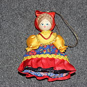 Куклы и игрушки ручной работы. Ярмарка Мастеров - ручная работа Мини-куколка в национальном костюме. Handmade.