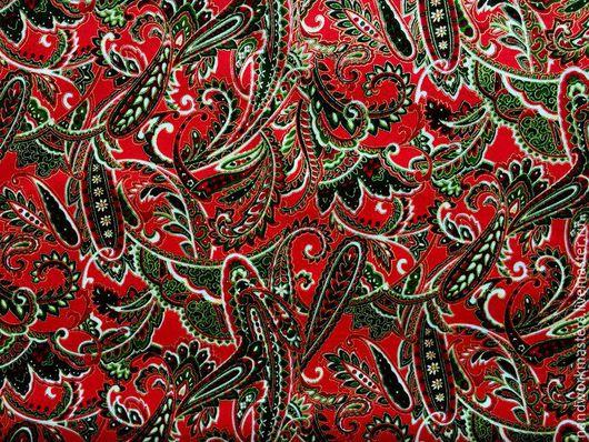 Ткань для лоскутного (квилтинг, печворк) шитья. Нарядная ткань красная с золотом для оформления интерьера, пошива новогодних одеял, скатертей, подушек, игрушек... Американский хлопок.