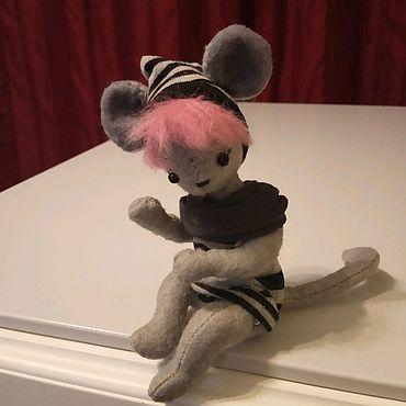 Куклы и игрушки ручной работы. Ярмарка Мастеров - ручная работа Символ нового года-мышка Карина. Handmade.