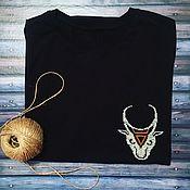 Футболки ручной работы. Ярмарка Мастеров - ручная работа Футболка с символом «знак Велеса» в виде бычьей головы. Handmade.