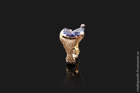 Кольца ручной работы. Ярмарка Мастеров - ручная работа. Купить Золотое кольцо 750 пробы с танзанитами и бриллиантами. Handmade. Васильковый