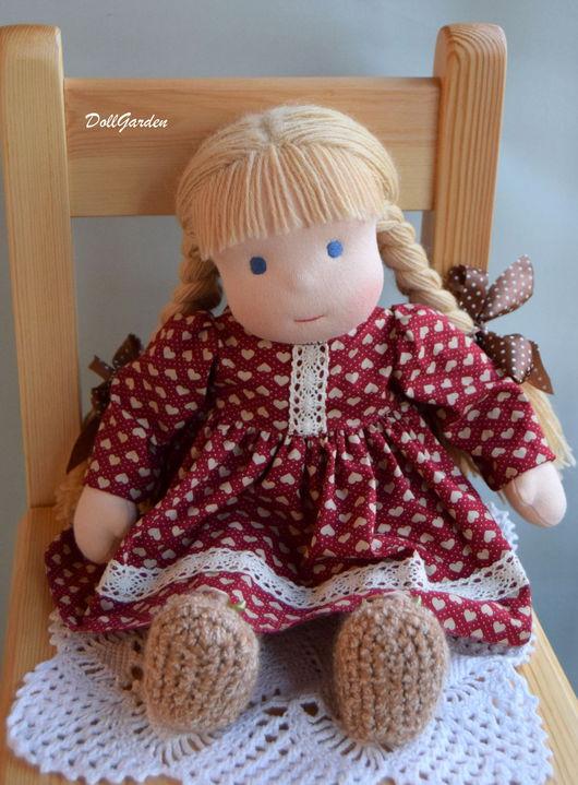 Вальдорфская игрушка ручной работы. Ярмарка Мастеров - ручная работа. Купить Машенька, вальдорфская кукла. Handmade. Бордовый, шерсть