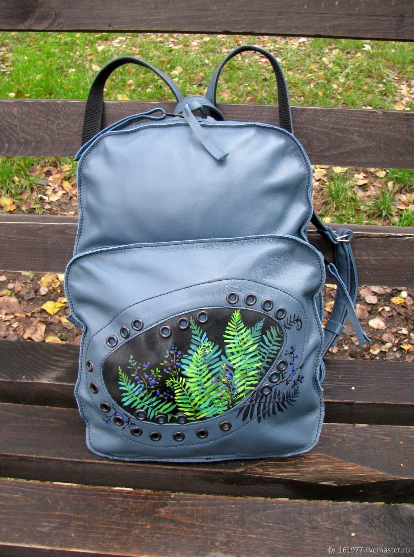 Рюкзаки лесные полным полно набиты мне в дорогу чемоданы