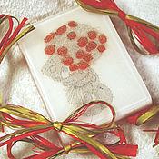 Подарки к праздникам ручной работы. Ярмарка Мастеров - ручная работа Мыло Мишка Тедди с букетом роз (в коробочке ручной работы). Handmade.