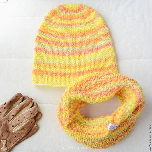Яркий комплект knit4us - шапка и снуд