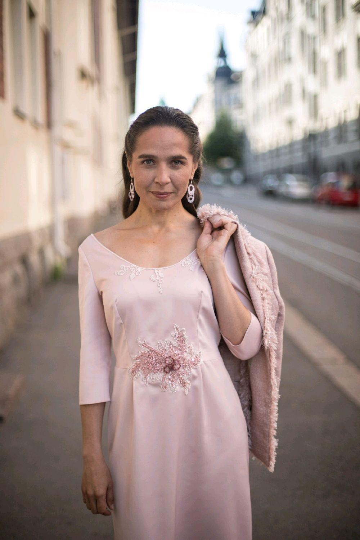 Атласное платье с вышивкой и бисером, Платья, Хельсинки,  Фото №1