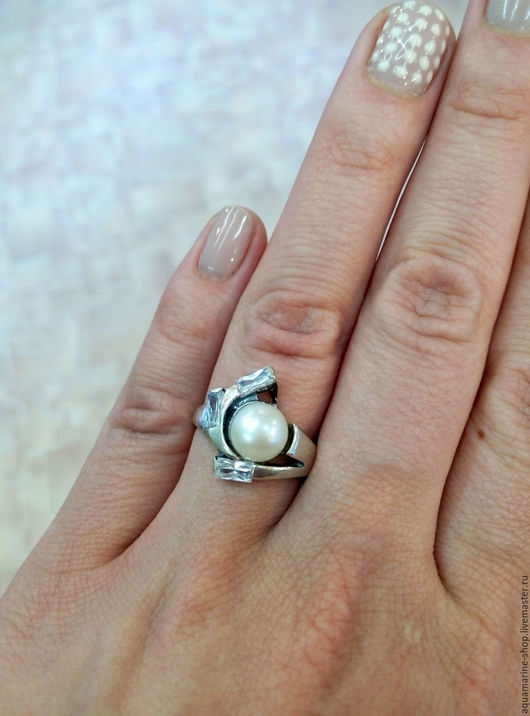 Кольца ручной работы. Ярмарка Мастеров - ручная работа. Купить Кольцо Волна. Handmade. Белый, фианиты, кольцо с камнем серебро